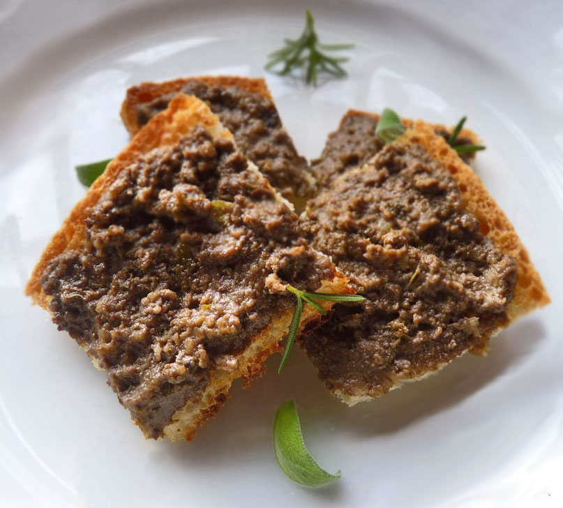 Crostini Toscani: patè di fegatini di pollo