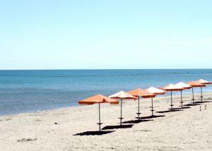 la spiaggia di metaponto, mar ionio, mare d'estate,