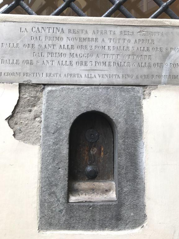 nel centro storico di Firenze per assaggiare i prodotti tipici toscani e bere un calice di vino Chianti